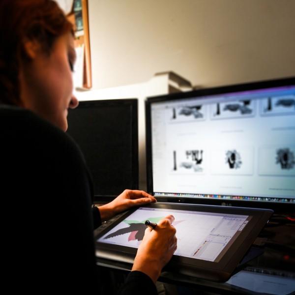 studio graphique et tablette wacom, réalisateur e